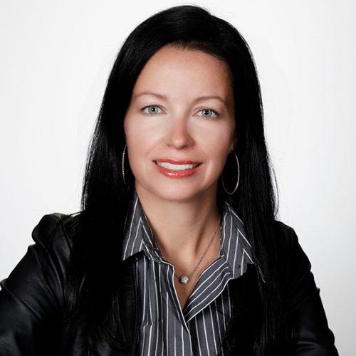 Christine Genest, directrice générale et secrétaire-trésorière